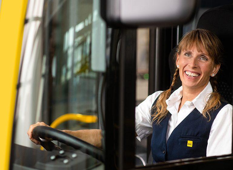 Schnuppertag für künftige Busfahrerinnen