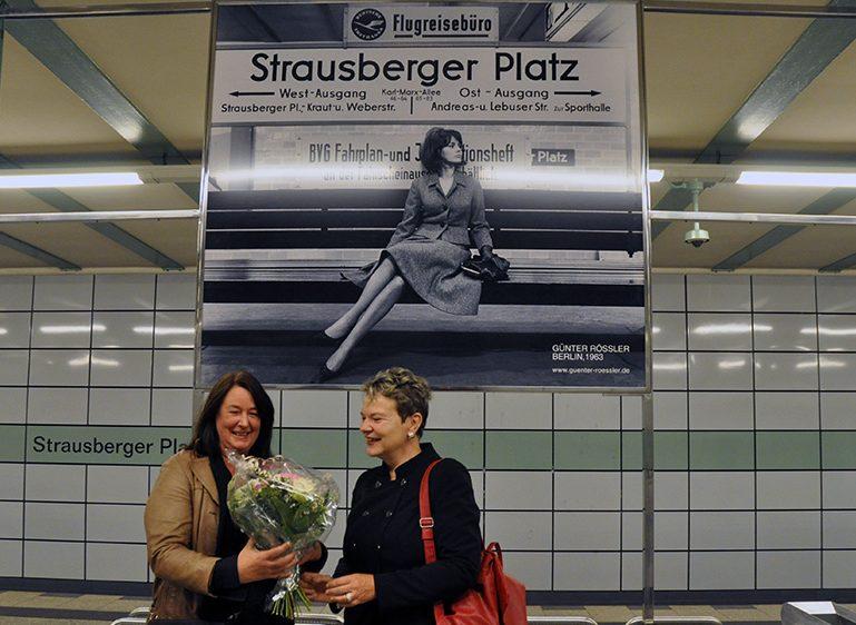 U-Bhf Strausberger Platz mit historischem Bild