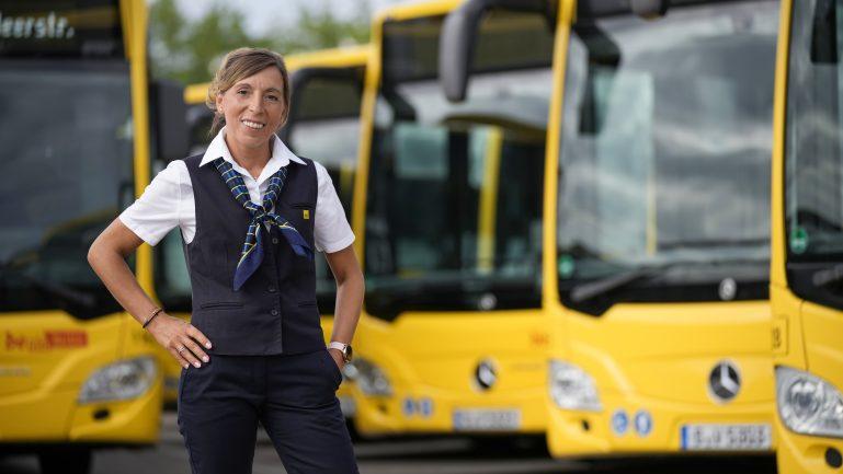 Busfahrerin werden – so klappt der Quereinstieg